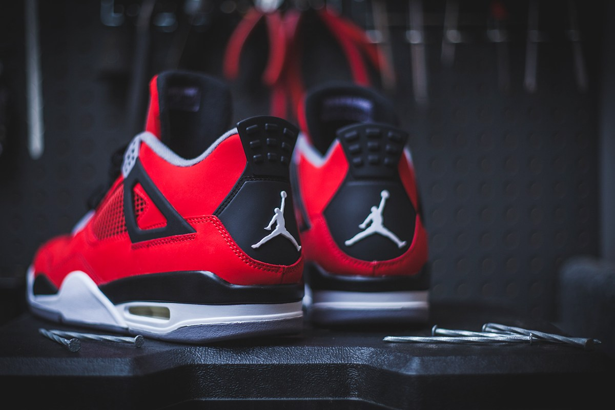 "Air Jordan 4 Retro ""Fire Red/Toro Bravo"" (detailed pics & release date)"