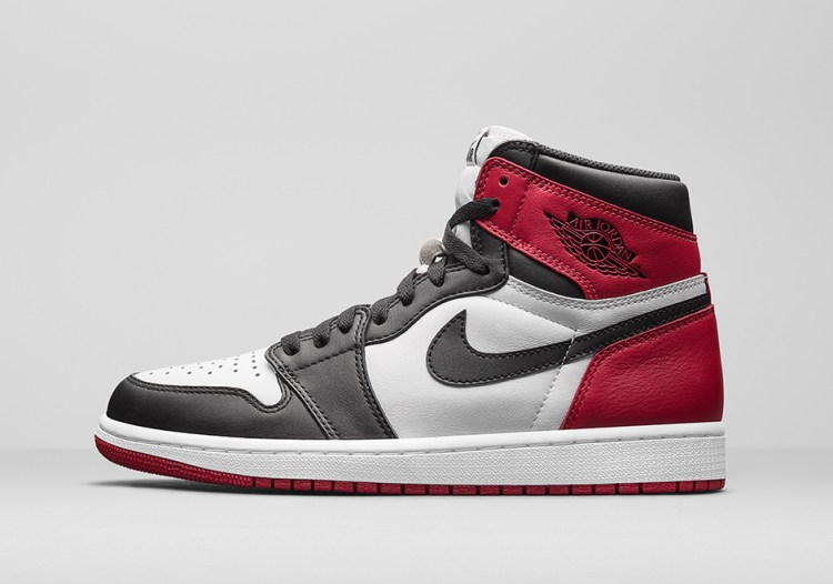 air-jordan-1-black-toe-official-photos-1