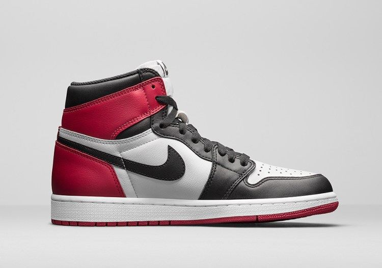 air-jordan-1-black-toe-official-photos-2