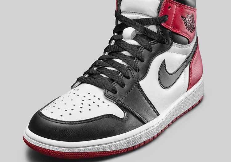air-jordan-1-black-toe-official-photos-7