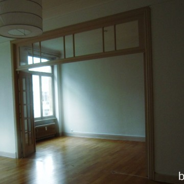02 standing renovation brussels francesca puccio parisian apartement dining before