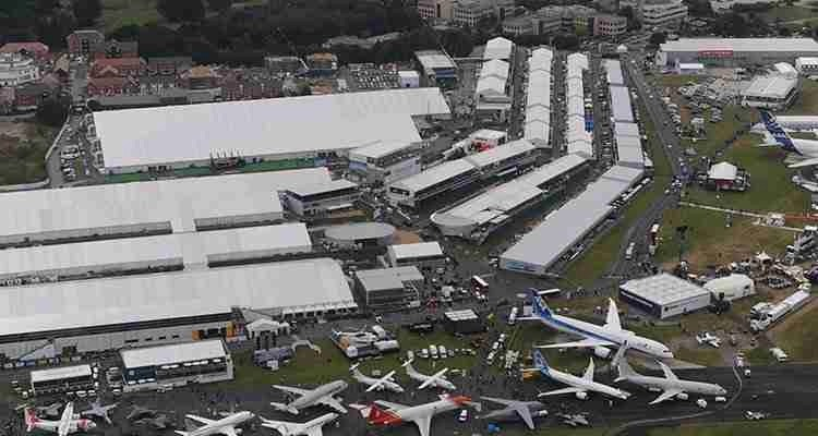 Exhibition Stand Design Articles : Farnborough international launches show stand out
