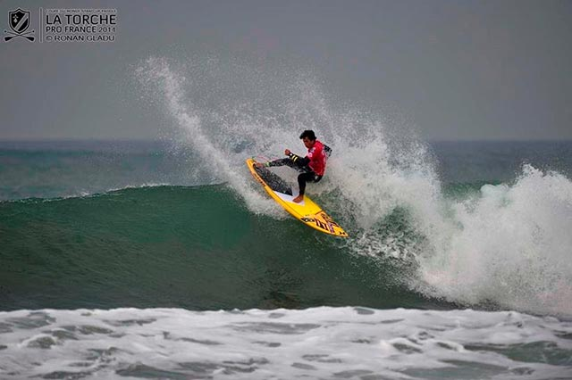 Kai Lenny secures an impressive 4th Stand Up World Surfing Title in France