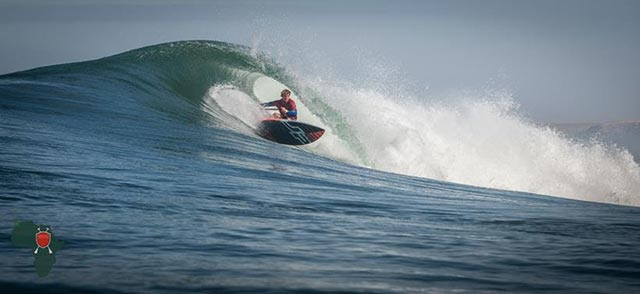 James Casey proves himself in the full size surf, advancing through to the semifinals