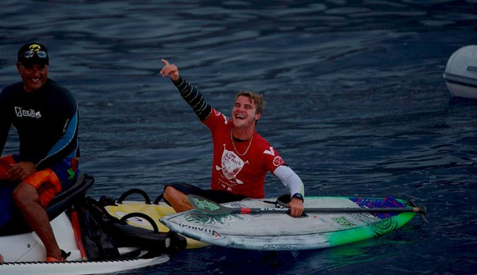 Zane Schweitzer secures a well deserved victory at the 2015 #SapinusPro Tahiti and moves into 2nd overall in the World Ratings