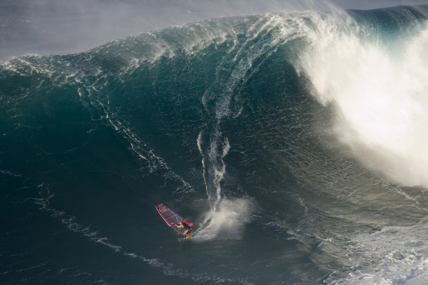 Robby Naish windsurf hawaii