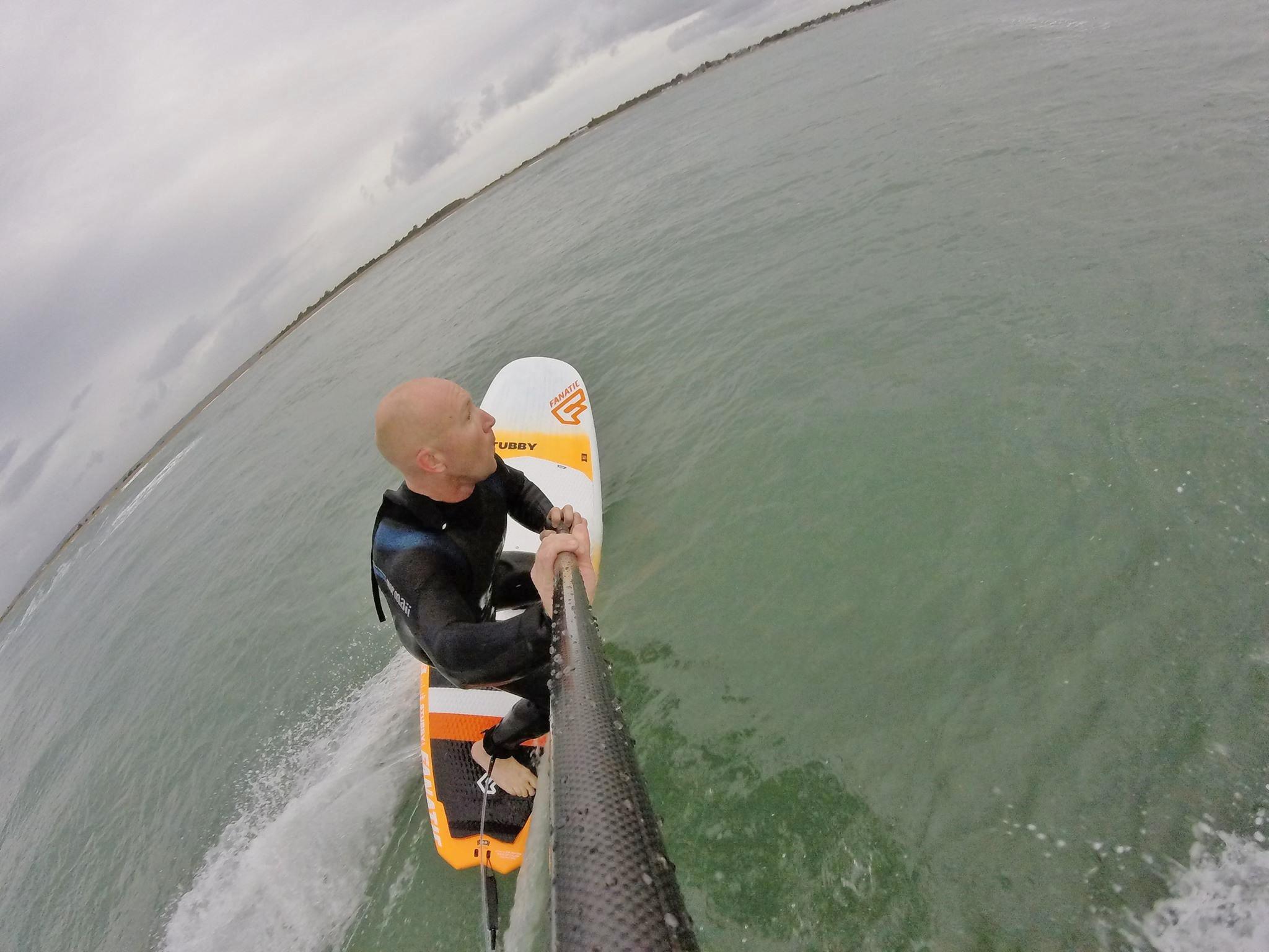 tez-plavenieks-sup-surfing-bottom-turn-hayling-island
