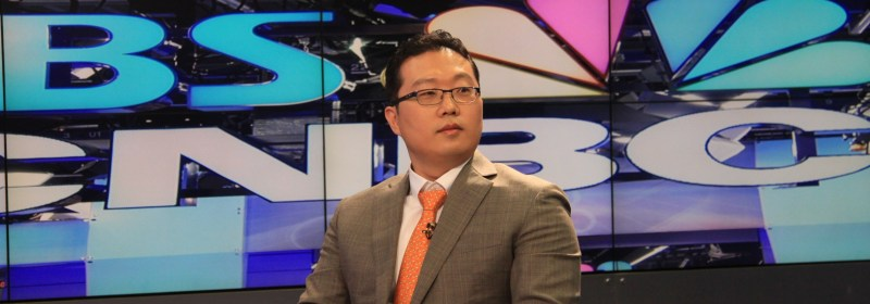 Dr. Park speaking at SBS CNBC on Men's health