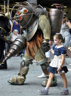 cool-Bioshock-cosplay-little-girl