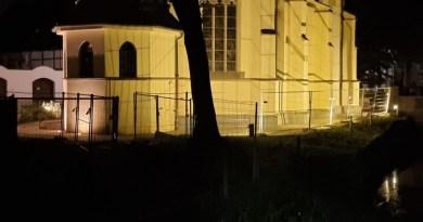 Schlosskapelle und Schloss Horneburg bei Nacht