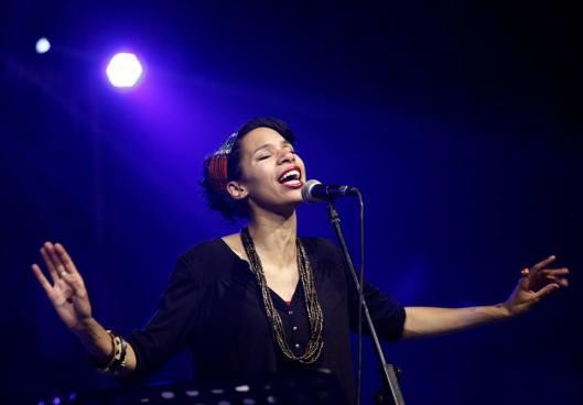 Julia Charler - singer, with Arte Funk - Michael Cuvillon