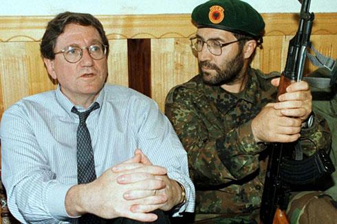 Ричард Холбрук са терористима ОВК на Косову и Метохији