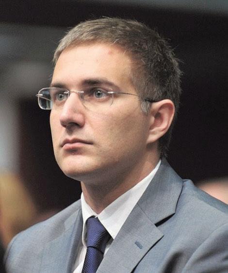 Небојша Стефановић, научник и доктор