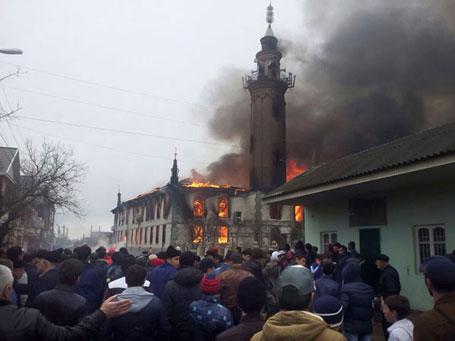 Дагестан, 10.04.2015 - нико није страдао, нити је повређен у пожару који је избио у главној џамији у Кизлиару, у јужној руској републици Дагестан, у близини границе са Чеченијом, саопштио је полицијски званичник