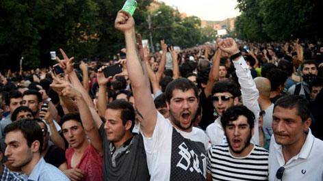 jermenijaprotest03