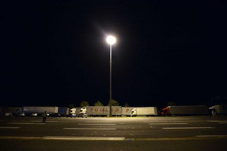 Батровци: Колоне камиона на уласку у Хрватску. Фото Танјуг/Немања Јовановић