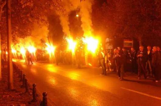 Protest-15.-novembar-baklje