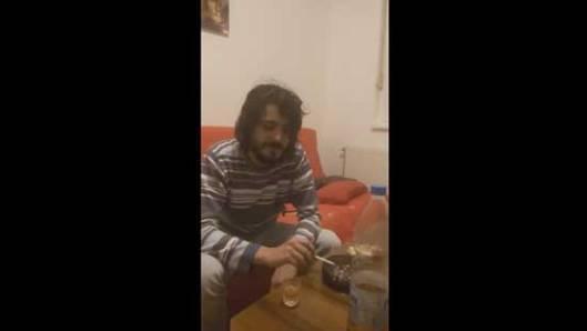 Томислав Ловрековић на спорном снимку (Извор: Јутјуб)
