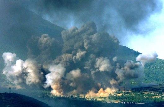 Америчко бомбардовање српских позиција на Косову током ваздушних НАТО напада 1999.