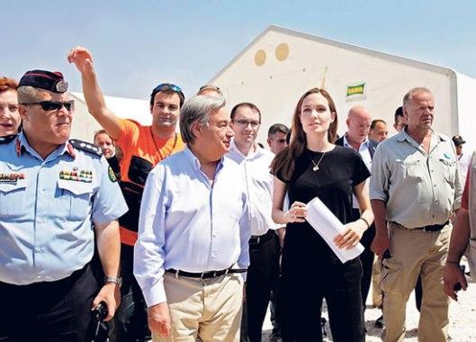Антонио Гутереш и Анџелина Џоли у хуманитарној мисији 2013. години (Фото: Фонет)
