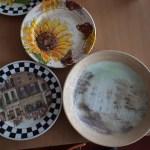 Поделки станьковских кружковцев... Как вам тарелочка с рисунком Наполеона Орды?... ;-)