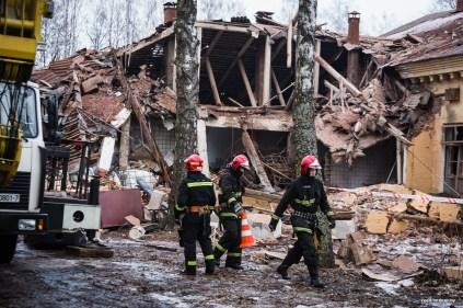 Взрыв в бывшей воинской части в Станьково. Фото Максим Тарналицкий ONLINER.BY