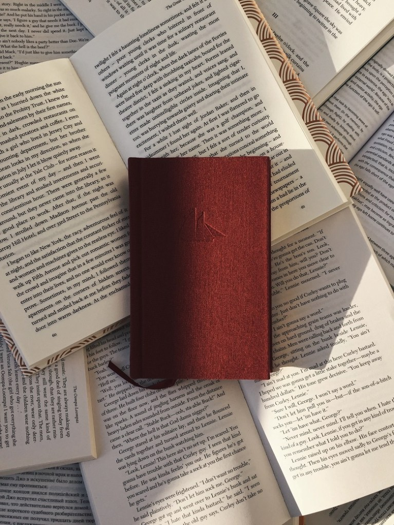 Comma splice - image of books lying open