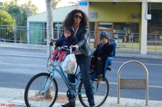 Mother + 2 kids IbnGv