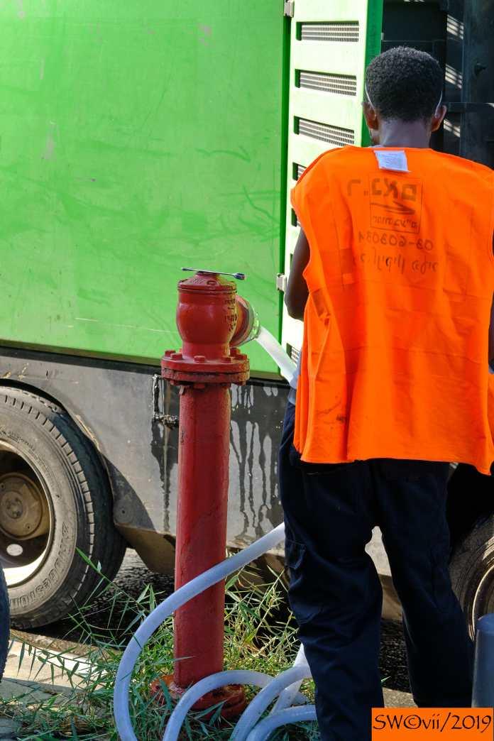 Working hydrant