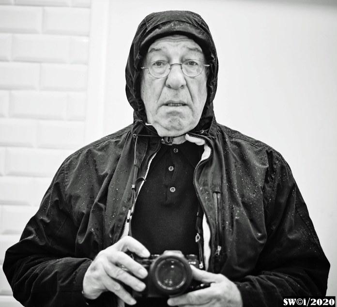 Intrepid photographer