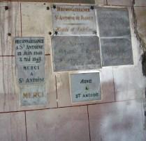 Dankestafeln an St. Anton von Padua in der Kirche Saint-Martin, eigenes Foto, Lizenz CC by