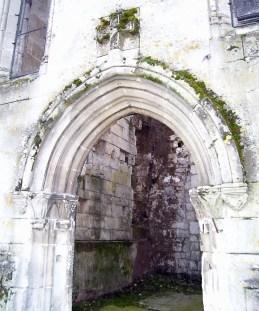 Detail von Saint-Denis, Eingang zum Raum für Penner und Kiffer, eigenes Foto, Lizenz CC by