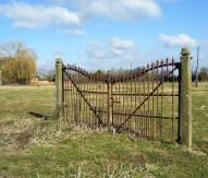 Tor ohne Zaun, eigenes Foto, Lizenz: CC by