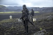 Rogue One: A Star Wars Story..Death Troopers..Ph: Jonathan Olley..©Lucasfilm LFL 2016.