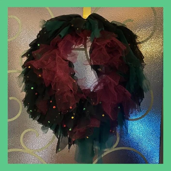 11 tips for creating an alternative Christmas rag wreath with lights