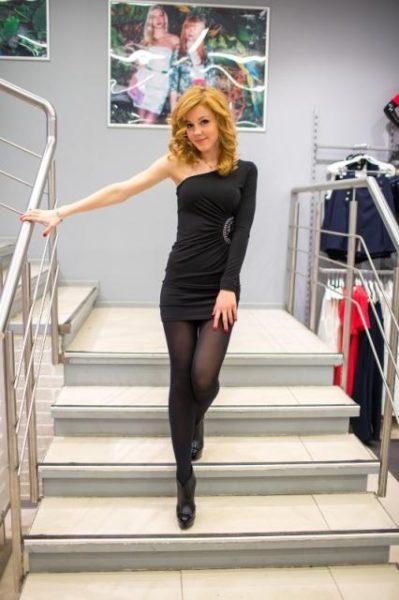 Караулова Юлианна в красивом платье