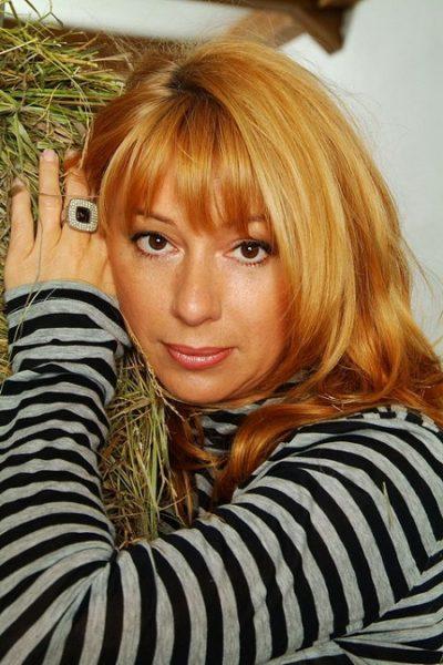 Алена Апина в молодости. Фото
