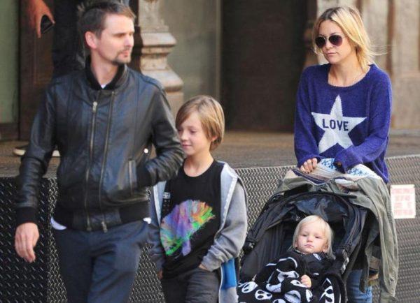 Кейт Хадсон с мужем Мэттью Беллами и детьми. Фото