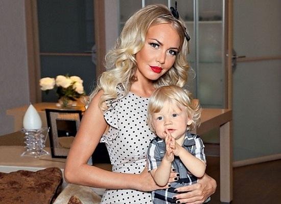 Маша Малиновская и сын Мирон. Фото