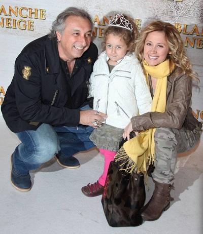 Лара Фабиан с Жераром Пулличино и дочерью. Фото