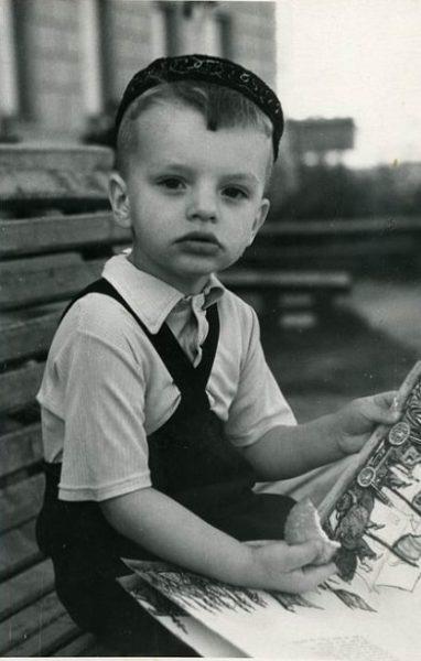 Леонид Парфенов в детстве