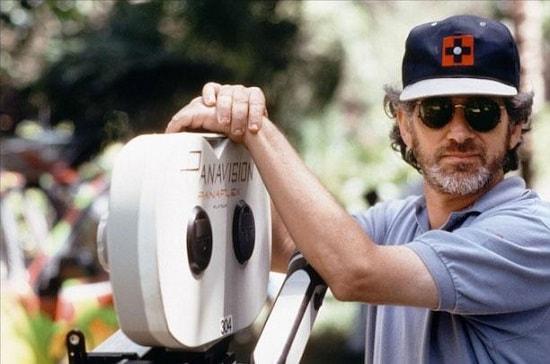 Фото Стивена Спилберга на съемках фильма