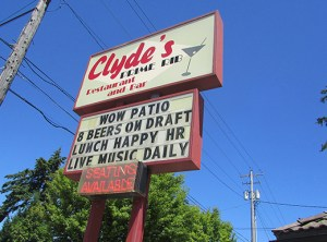 clyde's patio_sign