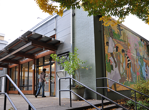 Albina library to help neighbors distinguish truth from fiction