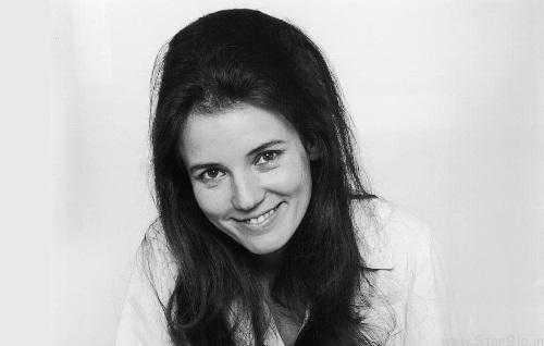 Picture of an actress Trish Van Devere
