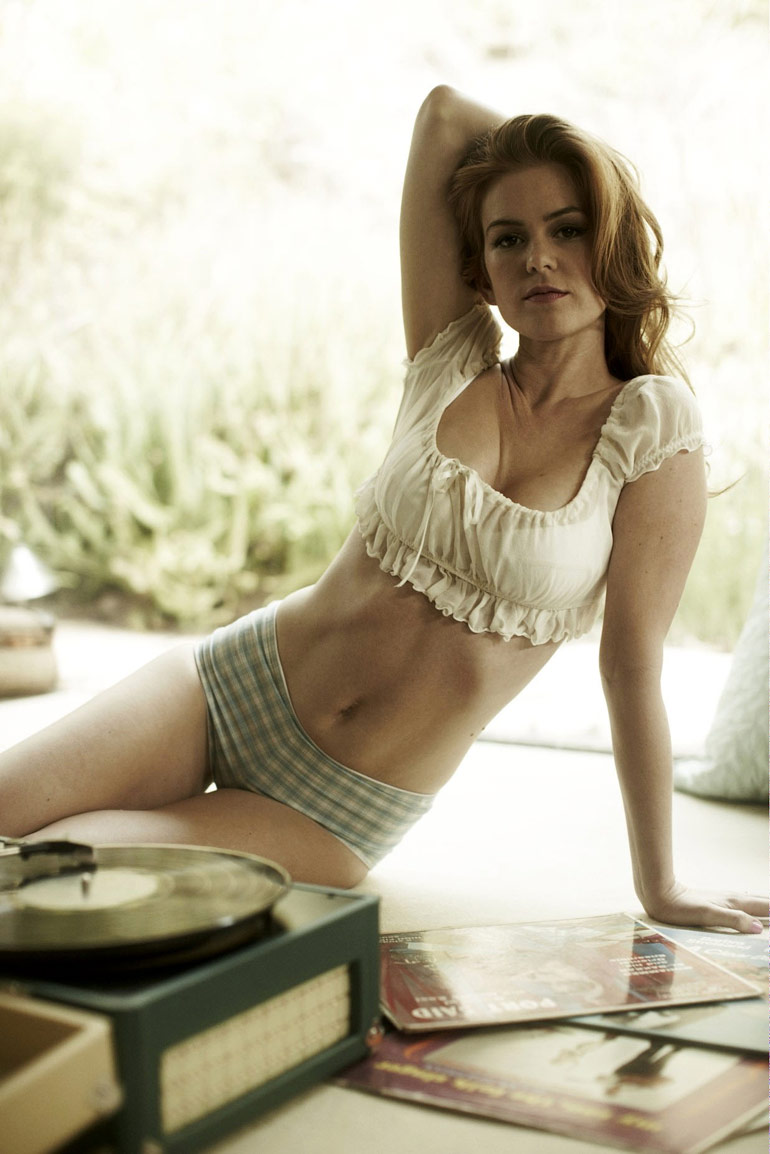 PHOTOS Isla Fisher And Her Nice Pair Of Hooters At Rango