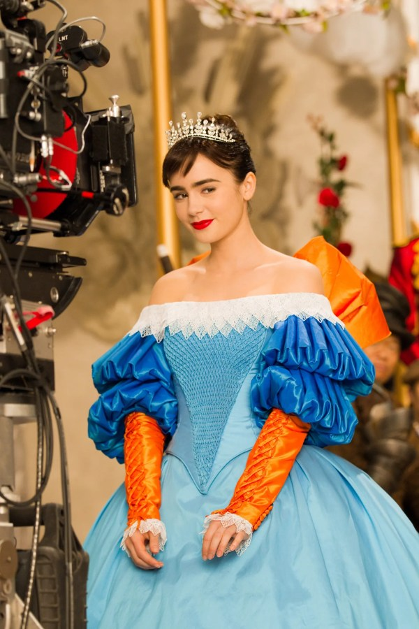 Lily Collins Fairest Of Mirror