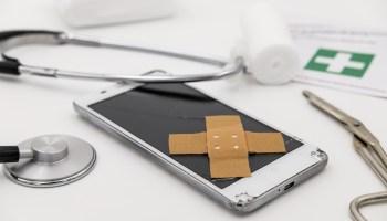 Mercury Retrograde image of broken mobile phone