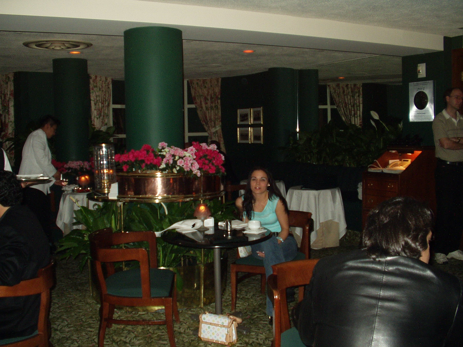 The Ivy Restaurant Los Angeles, Polo Lounge Beverly Hills