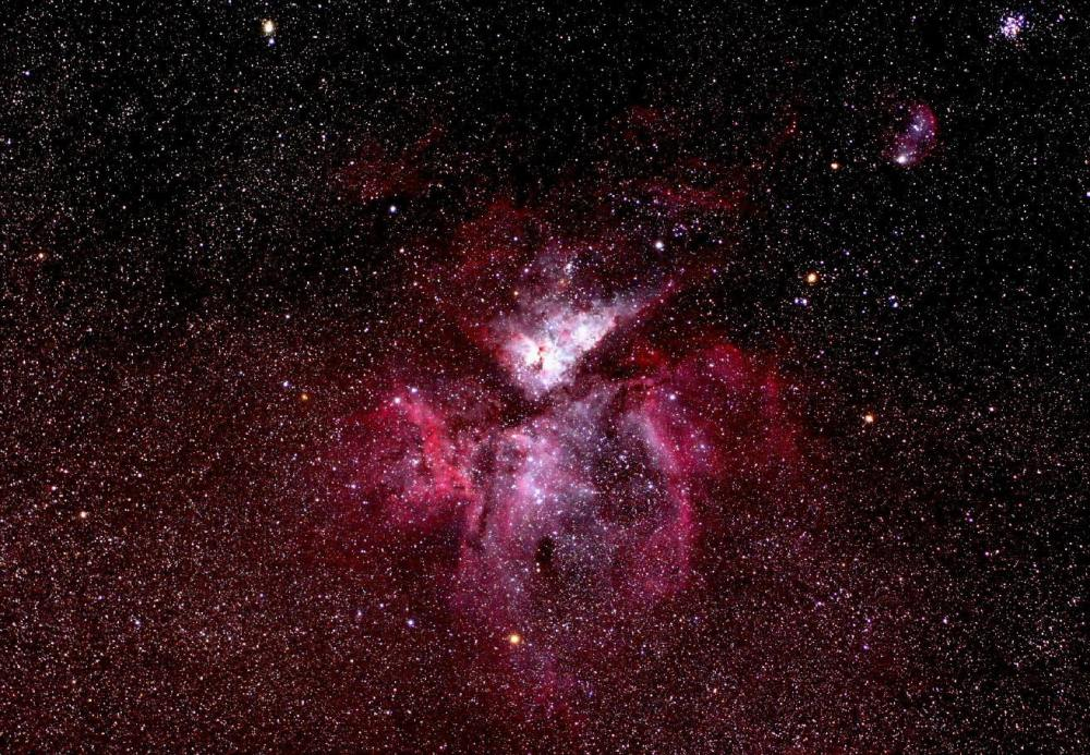 medium resolution of in july the eta carinae nebula is still well placed for viewing as it is two thirds of a handspan to the right of the star acrux at the foot of the